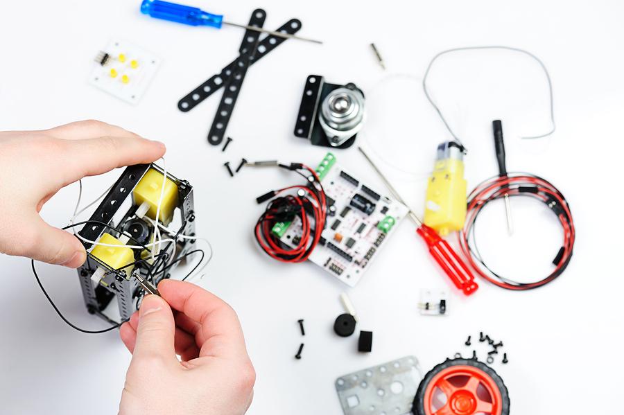 Robotics'e Giriş: Basit Sensörler Nasıl Çalışır?